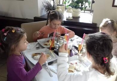 Smerfy w Restauracji Królewskiej